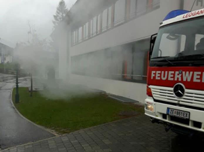 Hurra, die Schule brennt 2